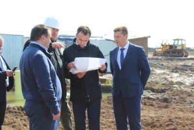 Министр Владимир Аврелькин посетил строящиеся объекты города Канаш